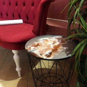Журнальний столик вкритий епоксидною смолою