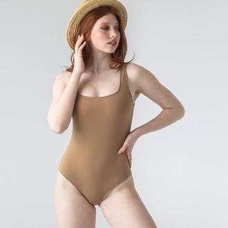 Коричневий суцільний купальник із чашками, цілісний купальник коричневого кольору