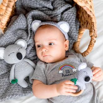 Коала в'язана лялька для дівчинки або хлопчика ім'ям дитини, подарунок на виписку, День народження