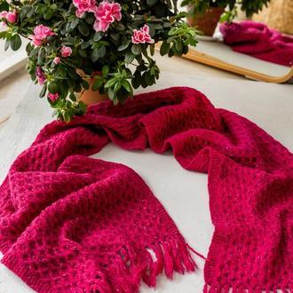 Шерстяной твидовый шарф вязаный ярко-розовый Малиновый шарф ручной работы с бахромой Подарок девушке