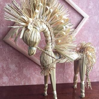 Конь из ржаной соломы