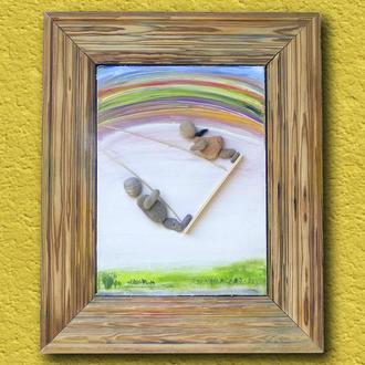 Картина в раме из натурального дерева. Искусство из гальки.