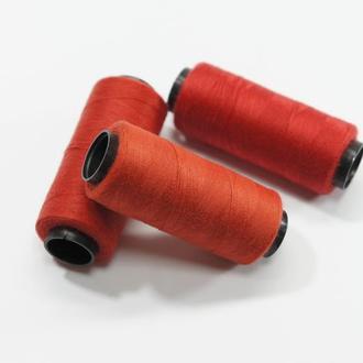 Нитки для шитья красные 250 м