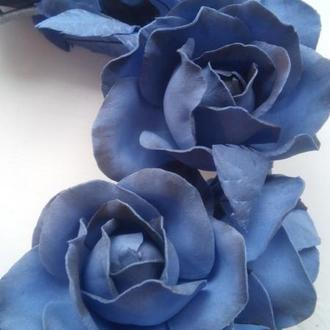 ободок с цветами синего цвета
