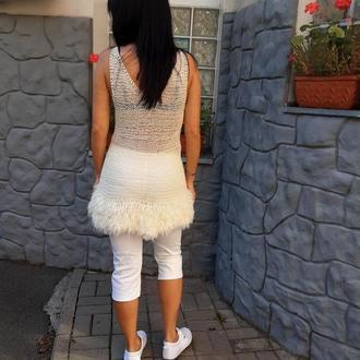 Мини платье цвета айвори для вечеринок, вязаное с искусственным мехом