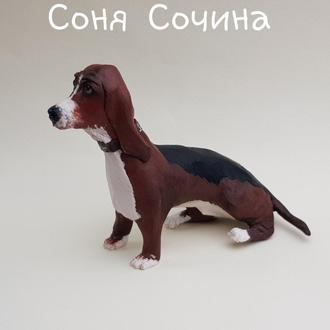 Бассет хаунд собака пес домашний питомец из полимерной глины