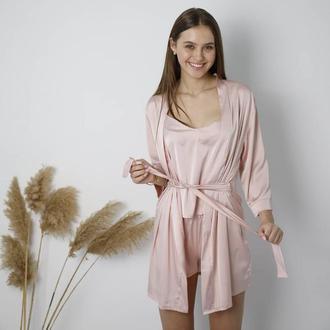 Тройка: женский халат и пижама с майкой и шортами из шелка армани в пудровом  цвете