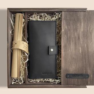 Мужской кожаный кошелек черного цвета d-100