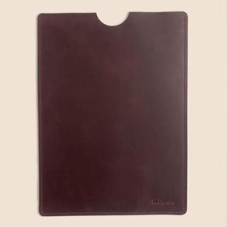 Кожаный чехол для MacBook бордового цвета d-102