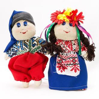 Кукла Украинка пара малая танцующая.