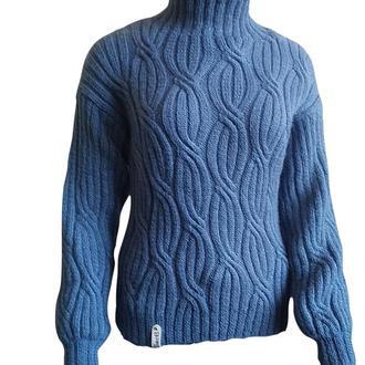 """Женский свитер цвета """"джинс"""" с воротником под горло"""