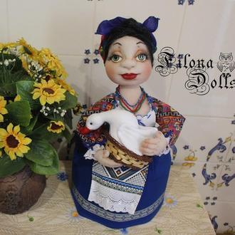 Кукла на чайник Ульяна. Грелка на чайник. Авторская кукла. Мягкая скульптура. Кукла из капрона