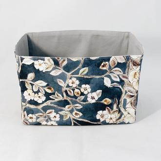 Готовое изделие Корзина из ткани, интерьерная корзина с цветами. Декор в детскую. Корзина для игруш