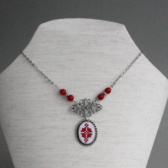 Красное колье из натурального коралла Свадебное украшение в украинском стиле