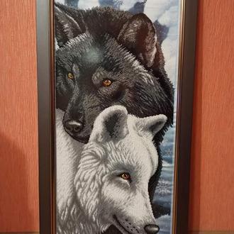 Картина вышивка пара волков