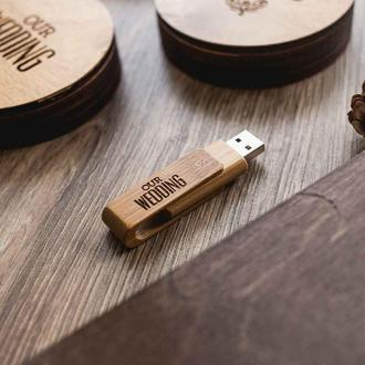 Деревянная флешка Cruzer с именной гравировкой для хранения семейных фото 4-64 Гб