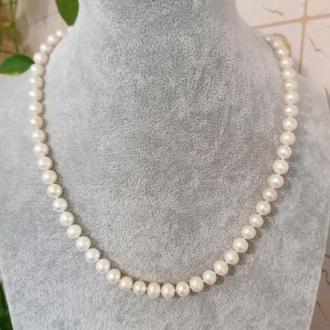 Красивое белое ожерелье колье через узелок из натурального жемчуга и серебра