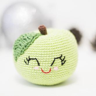 Зеленое яблоко, вязаная игрушка крючком,