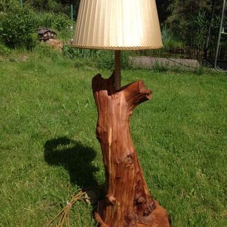 Светильник из корня груши