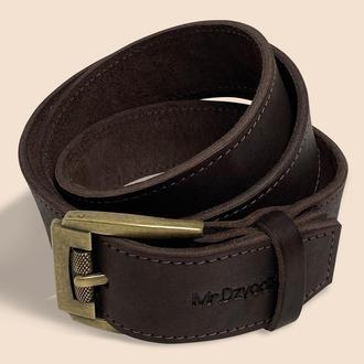 Мужской кожаный ремень коричневого цвета d-109
