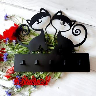Ключница Кошки настенная 35х32 см на 5 крючков и 50х45 см на 7 крючков.