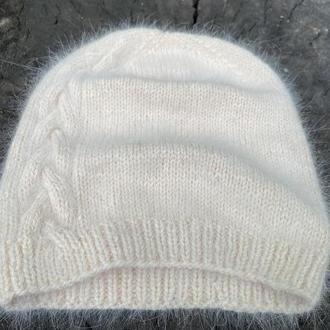Вязаная шапочка-бини из пряжи ангора 70, Пушистая женская шапочка, Модная зимняя шапка
