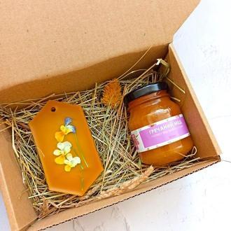 Подарунковий бокс: ароматичне саше і мед