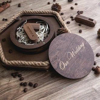 Красивая круглая деревянная коробка на магнитах. Коробка для упаковки подарка