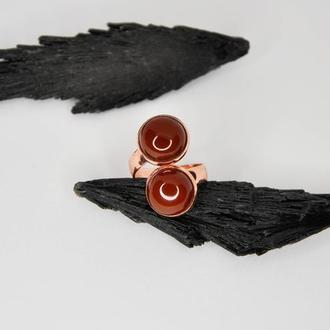 Двойное кольцо с сердоликом. Кольцо с камнями. Сердолик