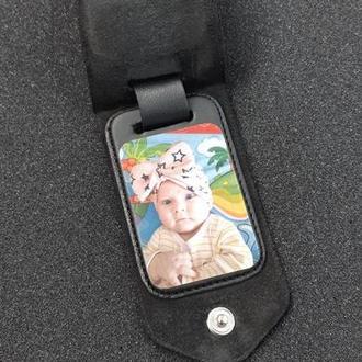 Кожаный брелок для ключей с фото и гравировкой