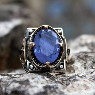 Кольцо мужское с турмалином фиолетовым камнем  из серебра 925 пробы ручной работы