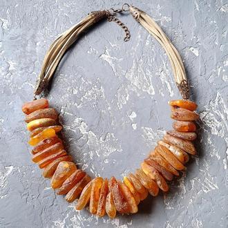 Стильне намисто з великого натурального бурштину