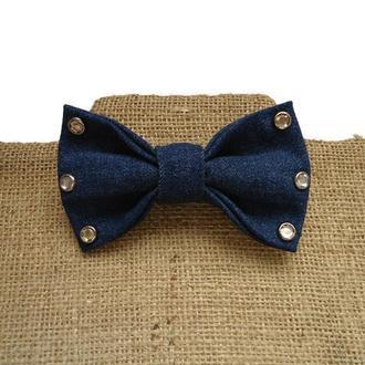 Джинсовый галстук-бабочка с кристальными заклепками. Denim  bow tie with rivet.