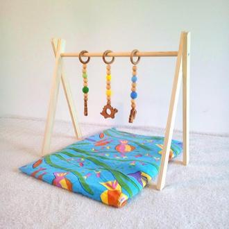 Развивающая игрушка - стойка для малыша.