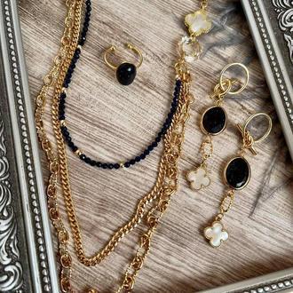 Прикраса на шию, сережки і колечко від бренду DINA