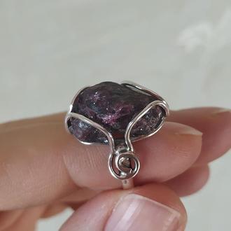 Кольцо с натуральным Гранатом.