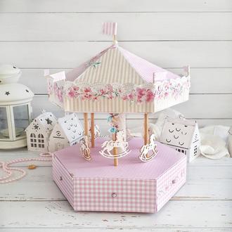 Карусель, декор для дитячої кімнати