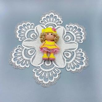 Куколка для кукольного домика, куколка мини, в желтом платье
