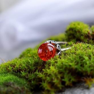 Кольцо из эпоксидной смолы с красной гипсофилой