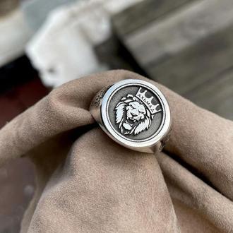 Печатка круглая серебряная  с гравировкой: Лев царь зверей. Брат дороже жизни