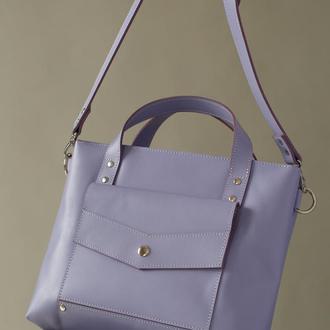 Вместительная женская сумка ручной работы из натуральной кожи с глянцевым эффектом лавандового цвета