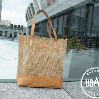 Велика жіноча сумочка