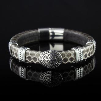 Мужской браслет из натуральной змеиной кожи.