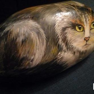 Каменная кошка