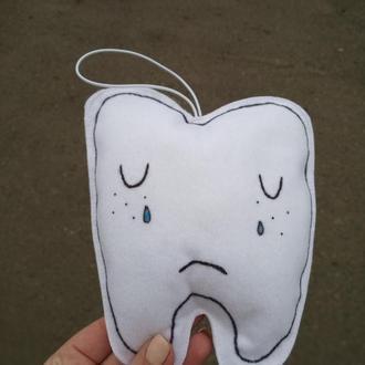 Фетровая игрушка плачущий зубик