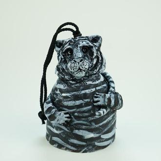 Колокольчик Черный тигр 2022 подарок на счастье в дом