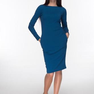 Трикотажное платье лазурного цвета