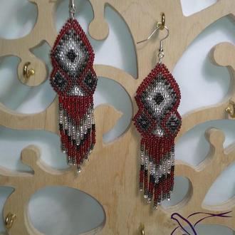 Красные серьги в этно стиле