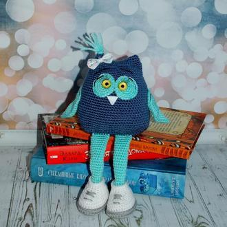 Сова Нюся - хранительница полок с книгами