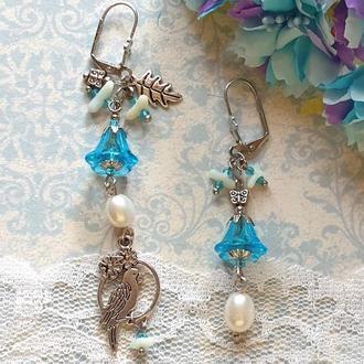 Асимметричные авторские серьги с жемчугом и кораллом